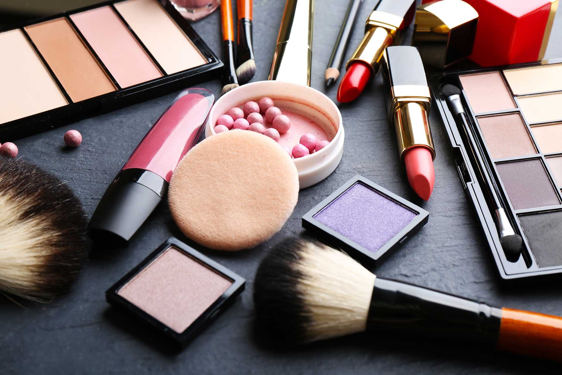 Risk By Counterfeit Cosmetics Online
